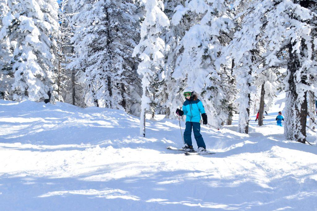 girl skiing Grand Targhee