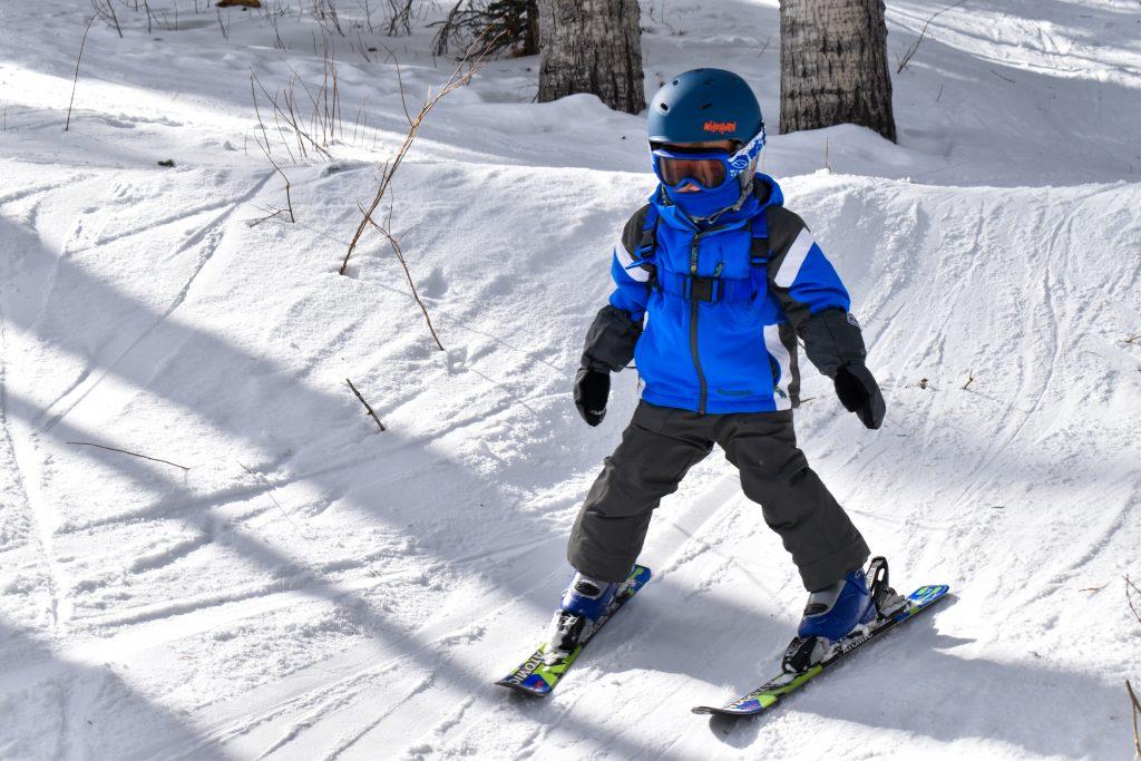 Toddler snow skiing
