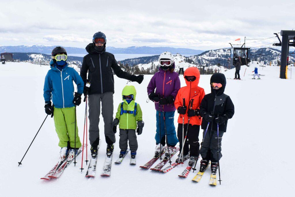 keeping kids warm while skiing